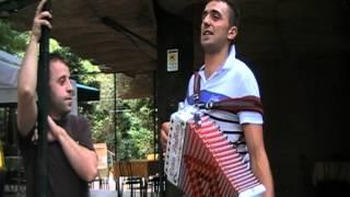 Luca 3 suona al locale Gemelli di Monticchio Laghi PZ