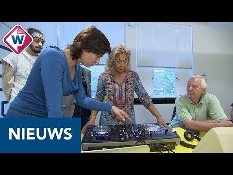 DJ Isis geeft dj-les aan 55-plussers: 'Allemaal hippe mensen' - OMROEP WEST