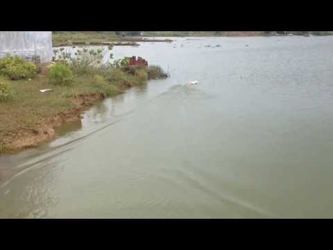 Remote Control RC Speed Boat running in ganga river at Allahabad