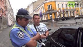 Харьковский «опер» попытался оторвать адвокату мужское достоинство