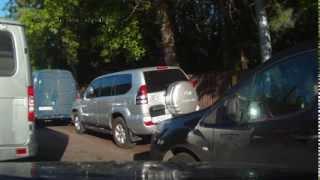 Быдлятинка на PRADO С124НР177 'кушает' тротуары
