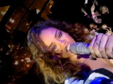 2011 Madrid. Rihanna taking my camera on stage.mp4