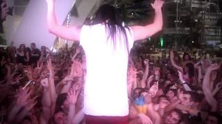 SOUNDWAVE featuring Steve Aoki