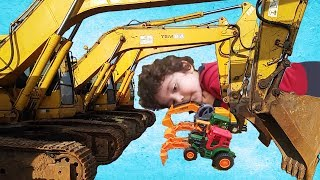 Oyuncak Dozer Kepçe Gerçeğe Dönüştü|Komik Çocuk Videoları