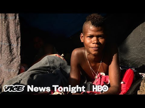 What The Migrant Caravan In Mexico City Is Really Like (HBO)
