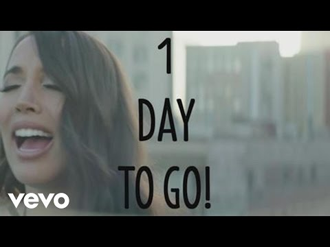 Alex & Sierra - Scarecrow (1 day to go)