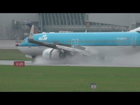Wet runway arrivals & departures at Warsaw Chopin Airport!