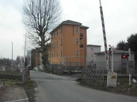 Passaggio a livello di pavia porta garibaldi parte 1 - Pavia porta garibaldi ...
