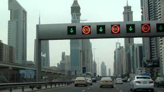 Driving through Dubai (1/2)