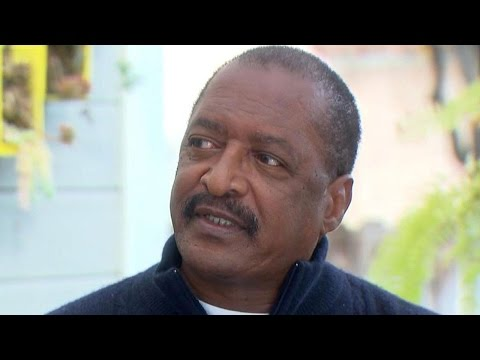 EXCLUSIVE: Mathew Knowles Reveals the Moment He Learned of Beyoncé's Pregnancy
