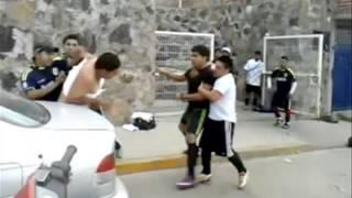Repeat youtube video Juego de futbol termina en pelea campal en Guanajuato