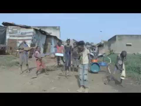 Reggae kids sing