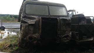 caminhão Fnm antigo jogado no ferro velho