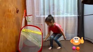 Видео для детей. Открываем Веселый баскетбол. Video for children. Unboxing Fun basketball(Смотрите видео для детей. Диана открывает веселый баскетбол - обзор игрушек. Спасибо, что смотрите мое виде..., 2016-02-26T16:19:21.000Z)