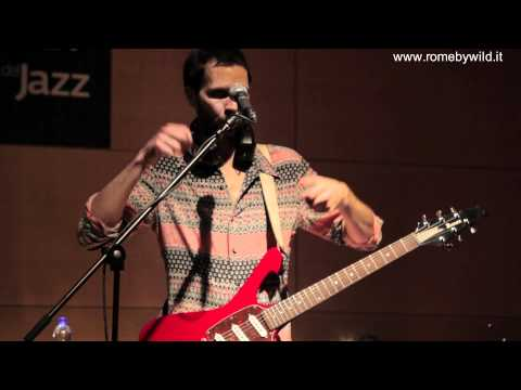 """Paul Gilbert Clinic part 9 - """"how to hold the pick"""""""