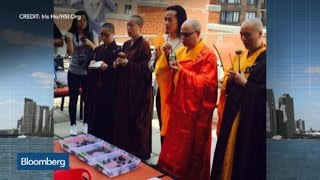 Top Photos: Buddhist Monks Bless 620 Rescued Turtles