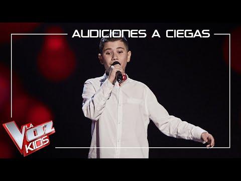 El niño Juanmi Salguero de Sevilla canta 'Turu turai' y levanta a David Bisbal
