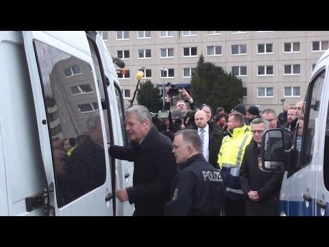 Bundespräsident + Bundesinnenminister  besuchen Bundespolizei in Blumberg am 28.01.16 + Reden
