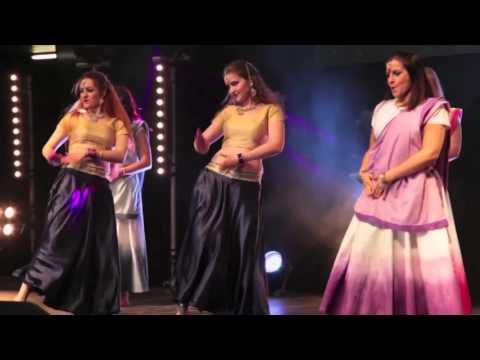Bollywood Fusion Ireland - Ghagra//Chamak Challo Chel Chabeli//Daingad Daingad