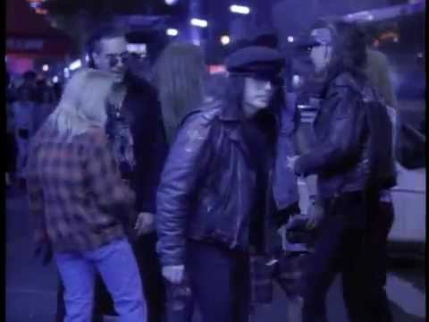 Mötley Crüe - Don't Go Away Mad (Just Go Away) (Official Video)
