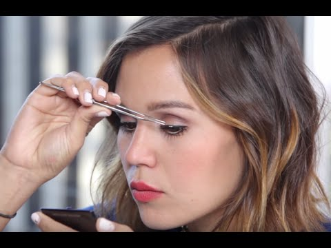 42ec12ce32b How to Master Individual Fake Eyelashes | NewBeauty Tips & Tutorials -  YouTube