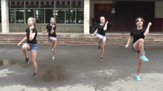 8 «Б» класс. Концерт у школы. Танец (22.05.2016)