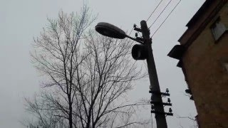 Уличный фонарь ЖКУ-01 с лампой ДРЛ и прожектором на одном  столбе. / Street lamp HCS-01 lamp DRL(, 2015-12-20T11:46:22.000Z)