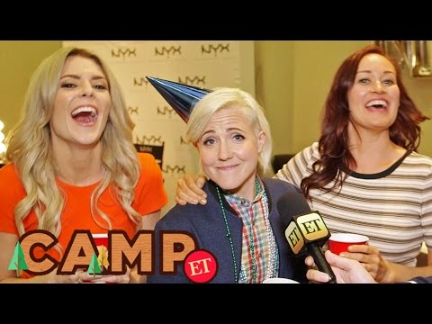 'DIRTY 30' Trailer Is Out! Grace, Hannah, & Mamrie Answer Rapid Fire Questions - VidCon 2016