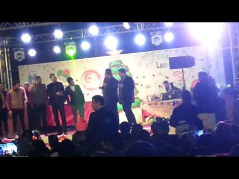 الطرشانة حلاوة فرقة ولاية بطيخ عرض عل مسرح في كرنفال ميلاد السلام