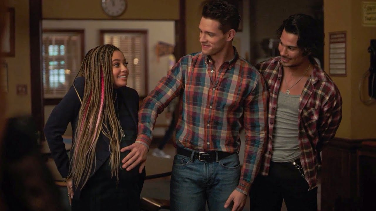 Download Tony Gives Birth For Kevin And The Fangs - Riverdale 5x08