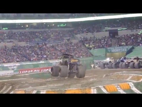 Pirate's Curse  Monster Truck Freestyle ( Monster Jam 2016 Indianapolis )