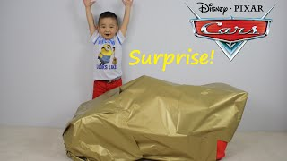 Disney Cars Lightning McQueen Giant Surprise Present Toy Opening CKN Toys thumbnail