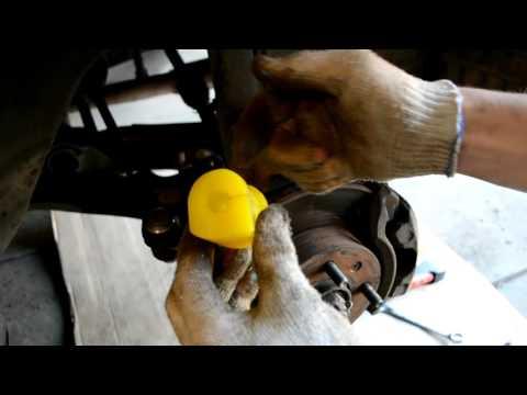 Hyundai Accent 2. Стойки и втулки переднего стабилизатора поперечной устойчивости