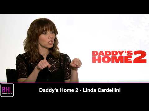 Linda Cardellini Talks Holiday Disasters & Filming on Set for Daddy's Home 2