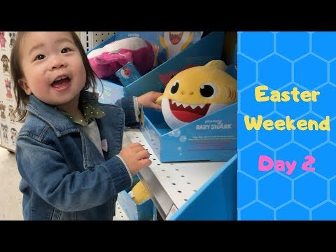 Baby Shark Shopping @ TOYS R US | Kids Activities