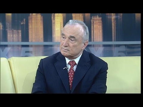 Bill Bratton reacts to Eric Garner protests