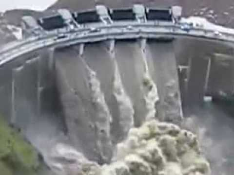 AMAZING HOOVER DAM SKY VIEW AND WATER FLOODING FROM DOORS