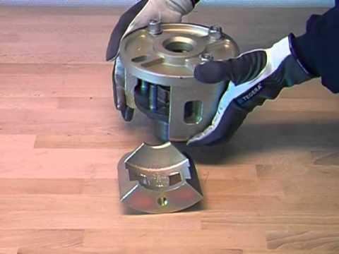outil de montage pour roulement de roue compact 91469470 youtube. Black Bedroom Furniture Sets. Home Design Ideas