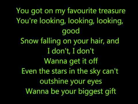 Justin Bieber ft. Boyz II Men - Fa la la + Lyrics on screen