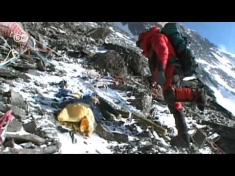 Nepal - el puesto de salvamento del Himalaya | Global 3000