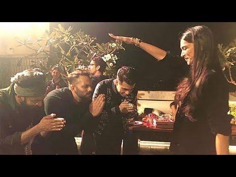 Inside Video of Simbaa 300 Crore Sucess Bash-Ranveer Singh,Deepika Padukone,Ajay,Kajol,Akshay Mp3