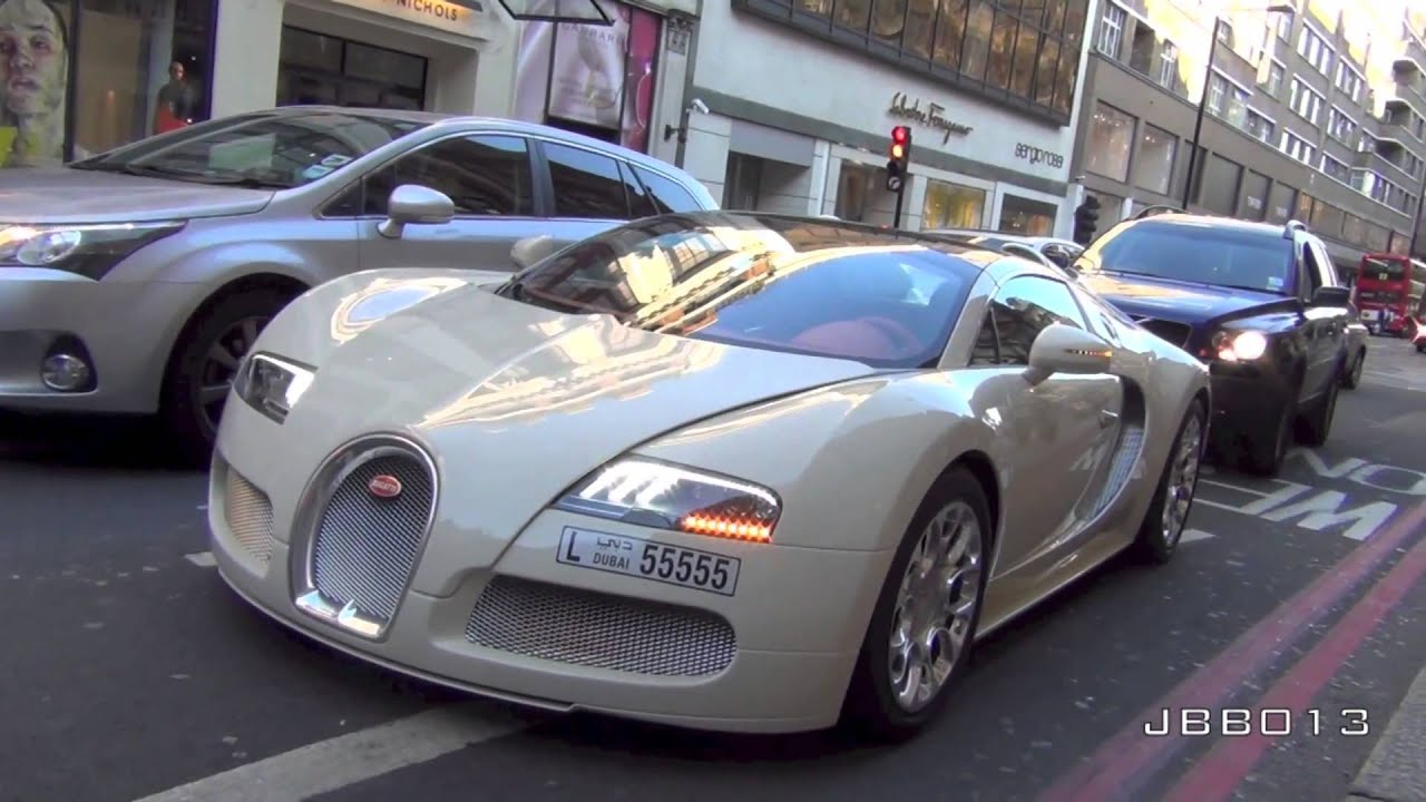 cream bugatti veyron grand sport driving on the road in london youtube. Black Bedroom Furniture Sets. Home Design Ideas