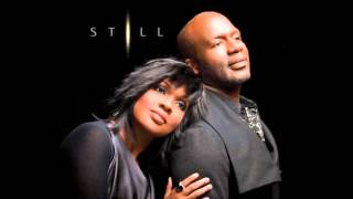 BeBe & CeCe Winans-The First Noel