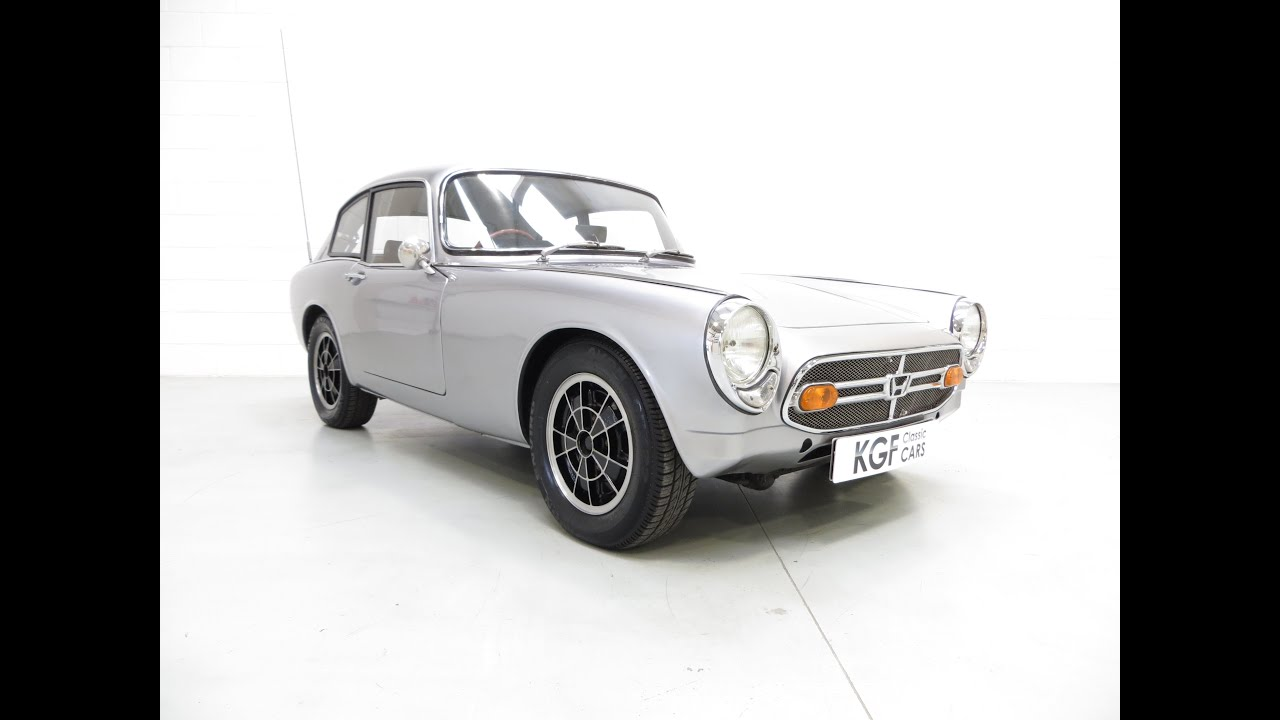 an incredible honda s800 coupe with competition success. Black Bedroom Furniture Sets. Home Design Ideas