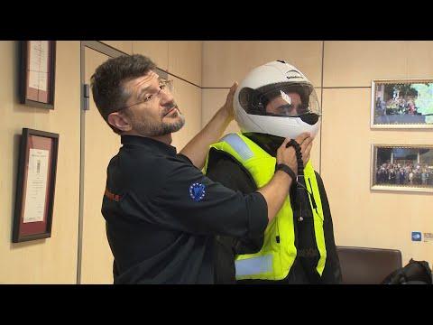Maiores sancións para os motoristas sen casco e o uso de luvas será obligatorio