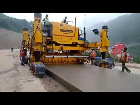 GOMACO four-track Commander III paver with Leica 3D, Chenani-Nashri Tunnel, India