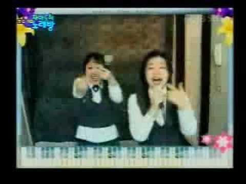 FUNNY! Korean Girls Karaoke  Comedy Singing - Songs Sexy Music Video