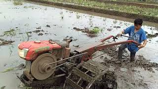 balapan traktor