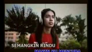 Repeat youtube video KristaL - Suatu Kenangan [ High Quality ]