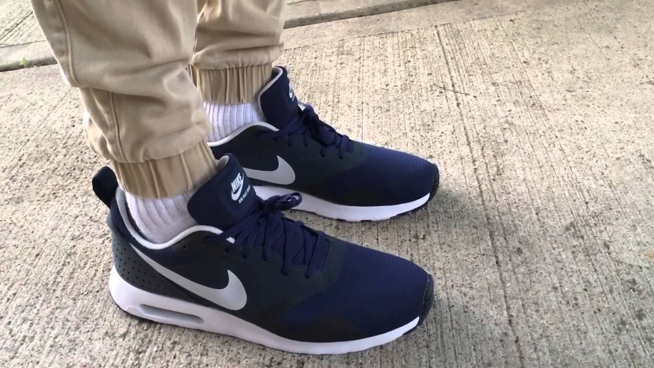 nike air max tavas mid navy blue